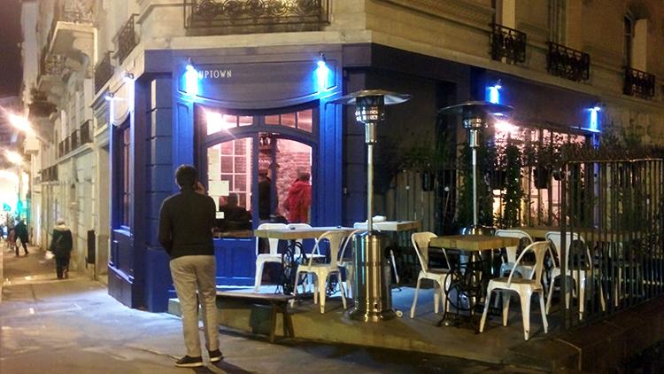 Bar parallèle • Uptown