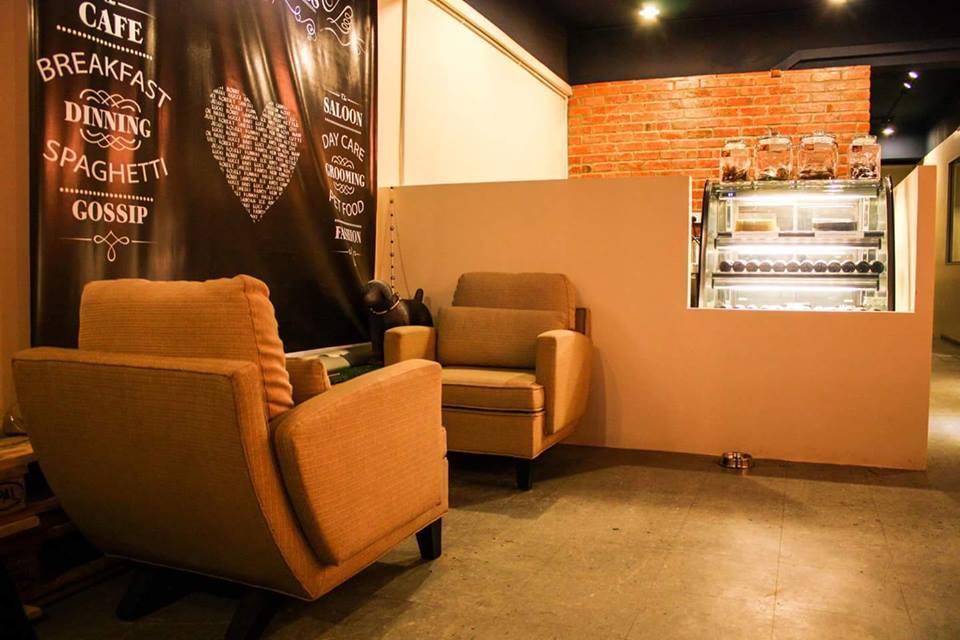 Clawset Café