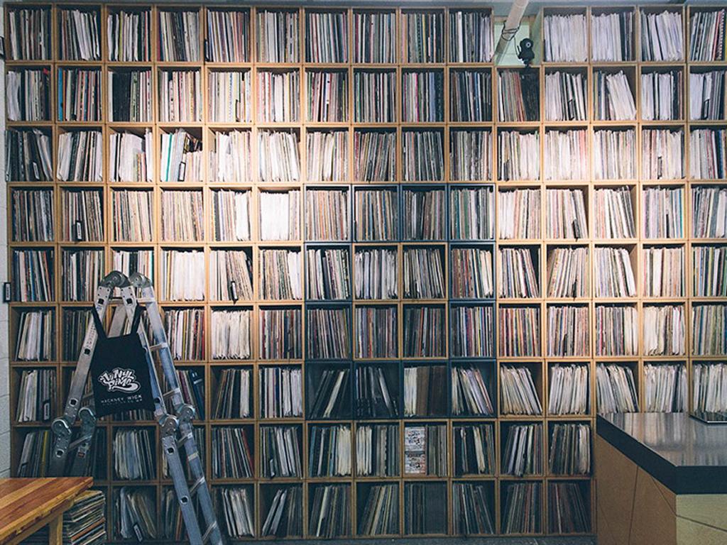 EartH Sessions: Vinyl Pimp