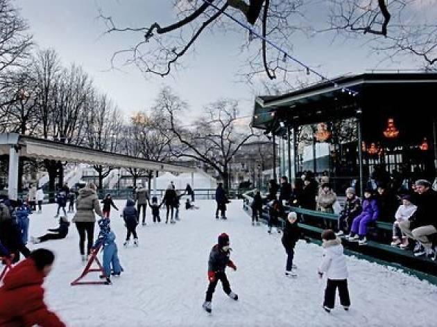 Parc de Bastions ice rink
