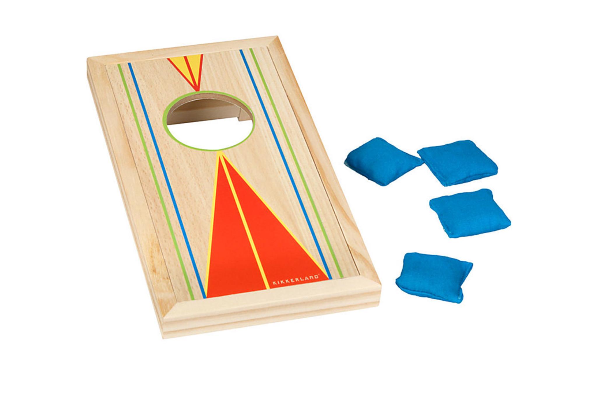 Desktop bag toss game