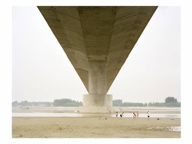 (Zhang Kechun, A Family Spending the Weekend Under a Bridge, 2011)