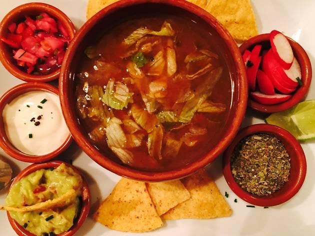 Zicatela (La soupe emblématique du Mexique : la Pozole)
