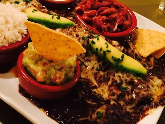 Zicatela (L'Enchilada de mole negro)