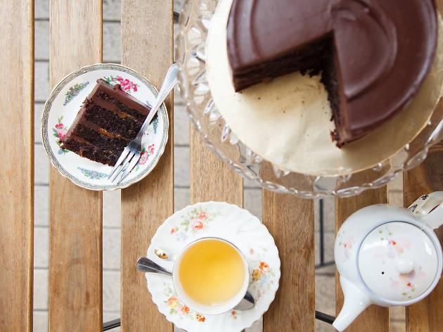 Salted caramel ganache cake at Jaslyn