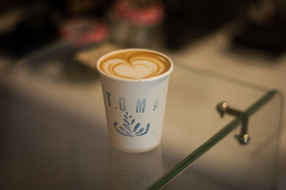 Café para tomar y llevar en Toma Café