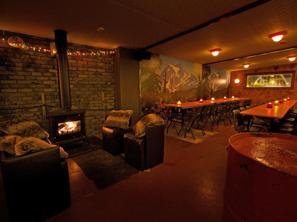 ski lodge bars in london, dinerama