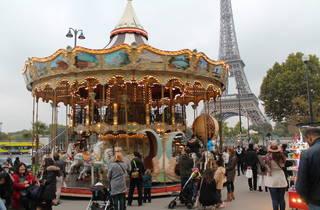Les 10 plus beaux manèges de Paris
