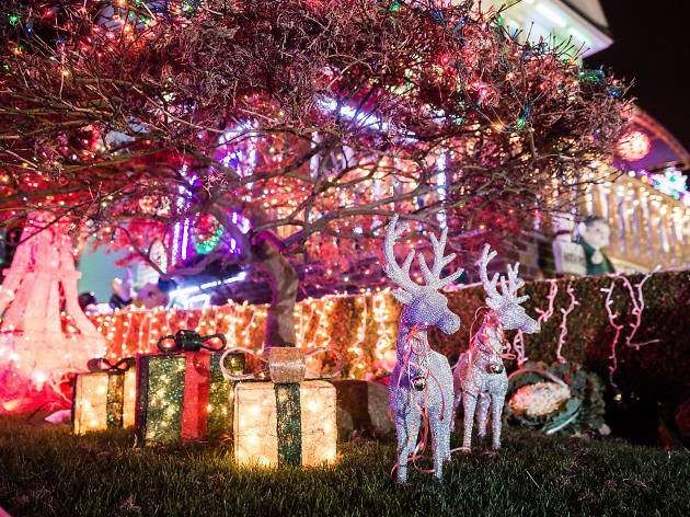 See stunning photos of the Dyker Heights Christmas lights - Stunning Photos Of The Dyker Heights Christmas Lights