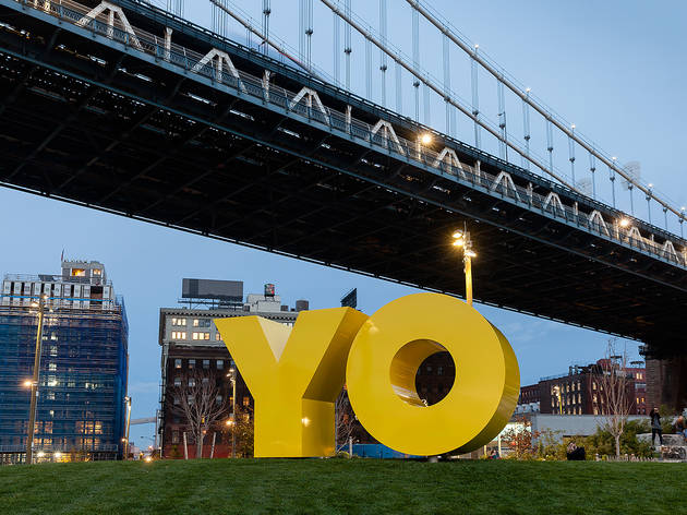 Deborah Kass, OY/YO (Brooklyn Bridge Park installation), 2015