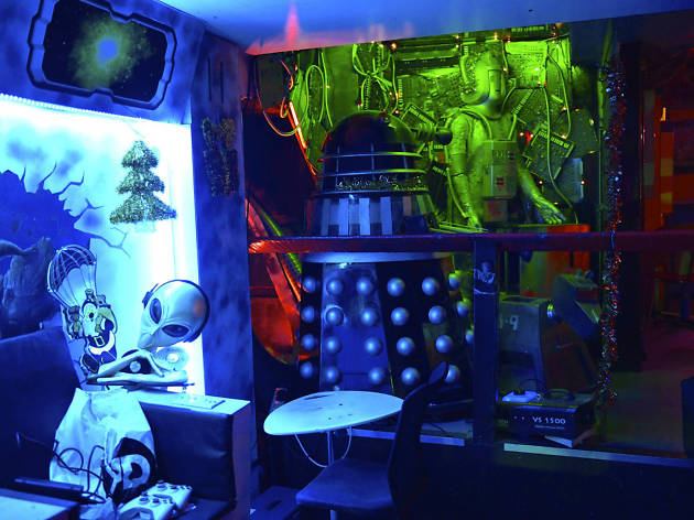 Fab cafe Dr Who
