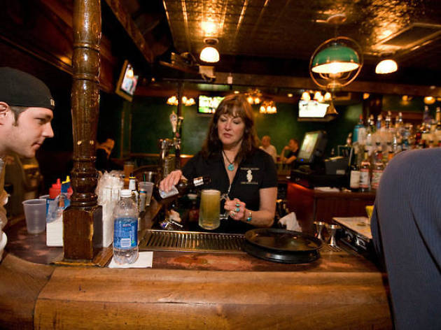 A timeline of going out to a Chicago 4am bar