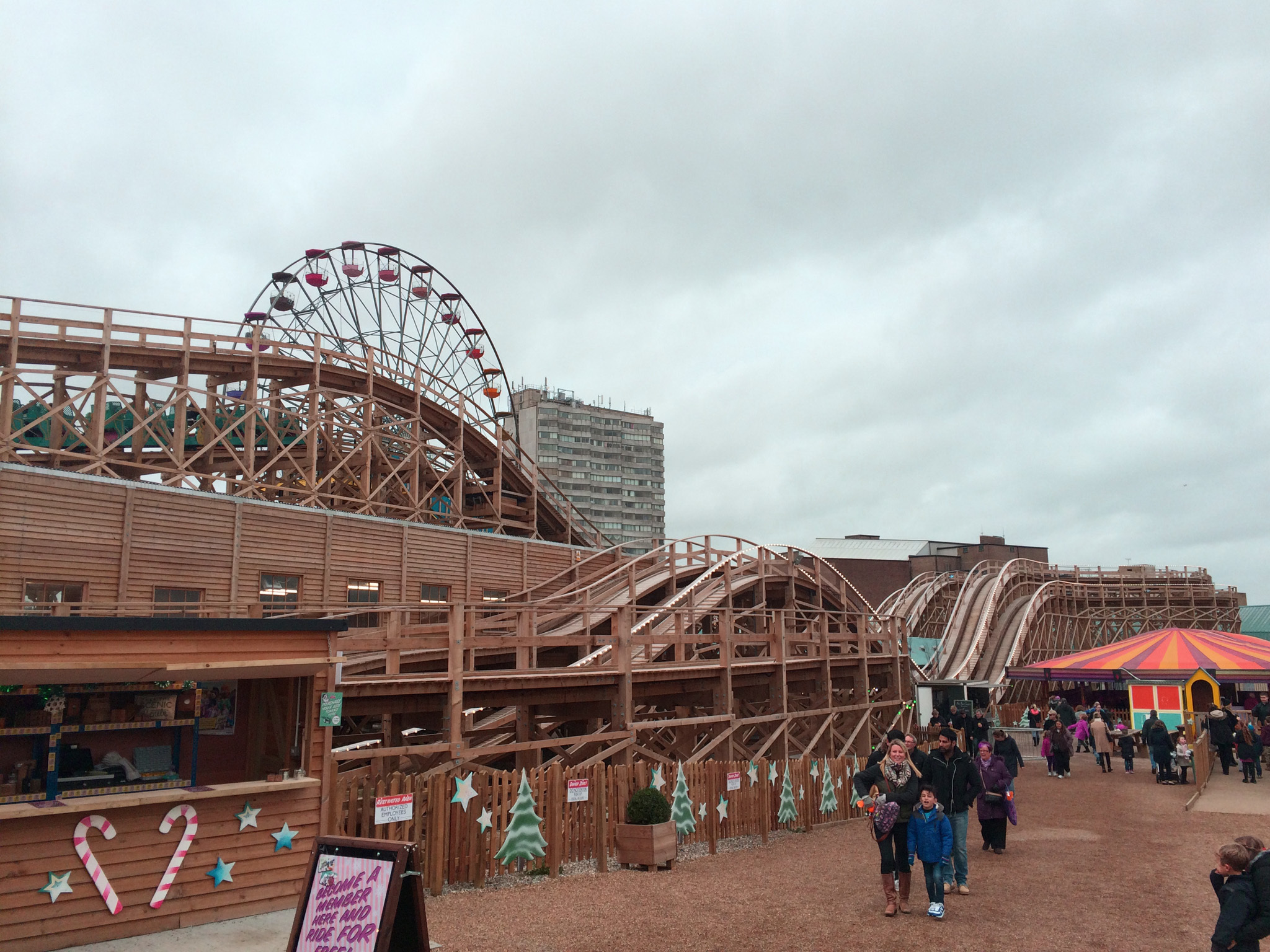 Dreamland's Frosted Fairground