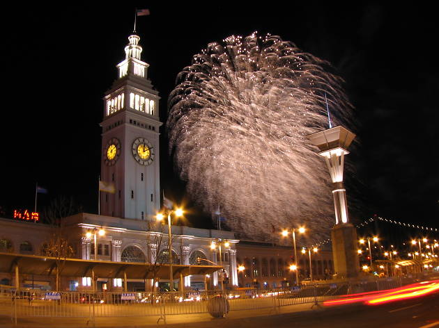 The Embarcadero New Year's Eve Fireworks Show