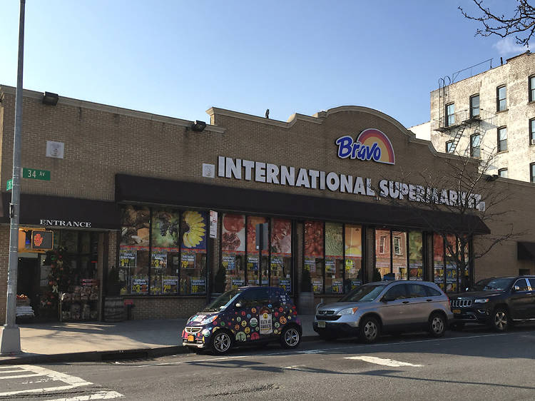 Astoria: Bravo International Supermarket