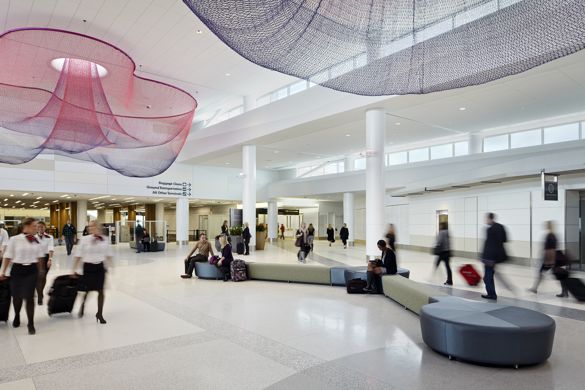Five best airports and five worst airports in america for International decor gates