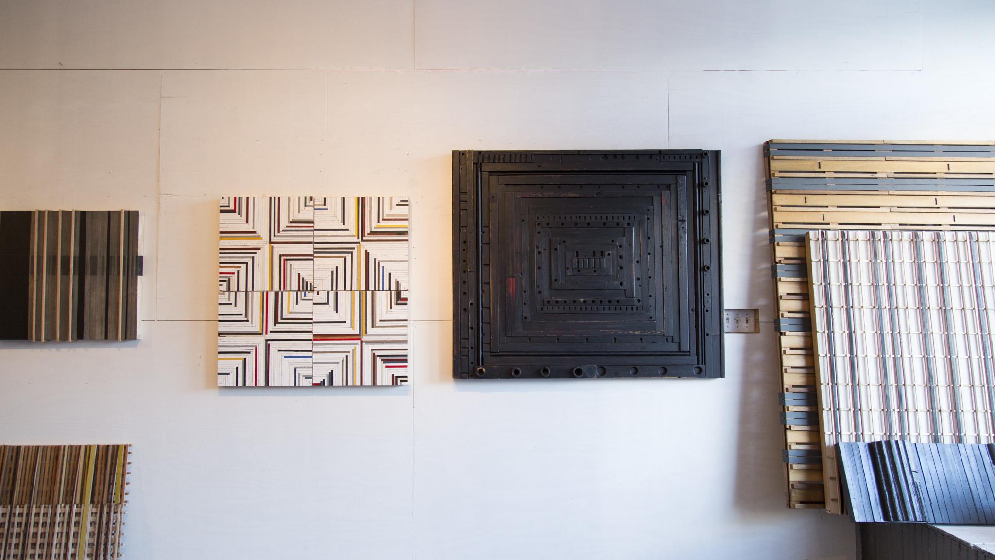 Las Manos Gallery