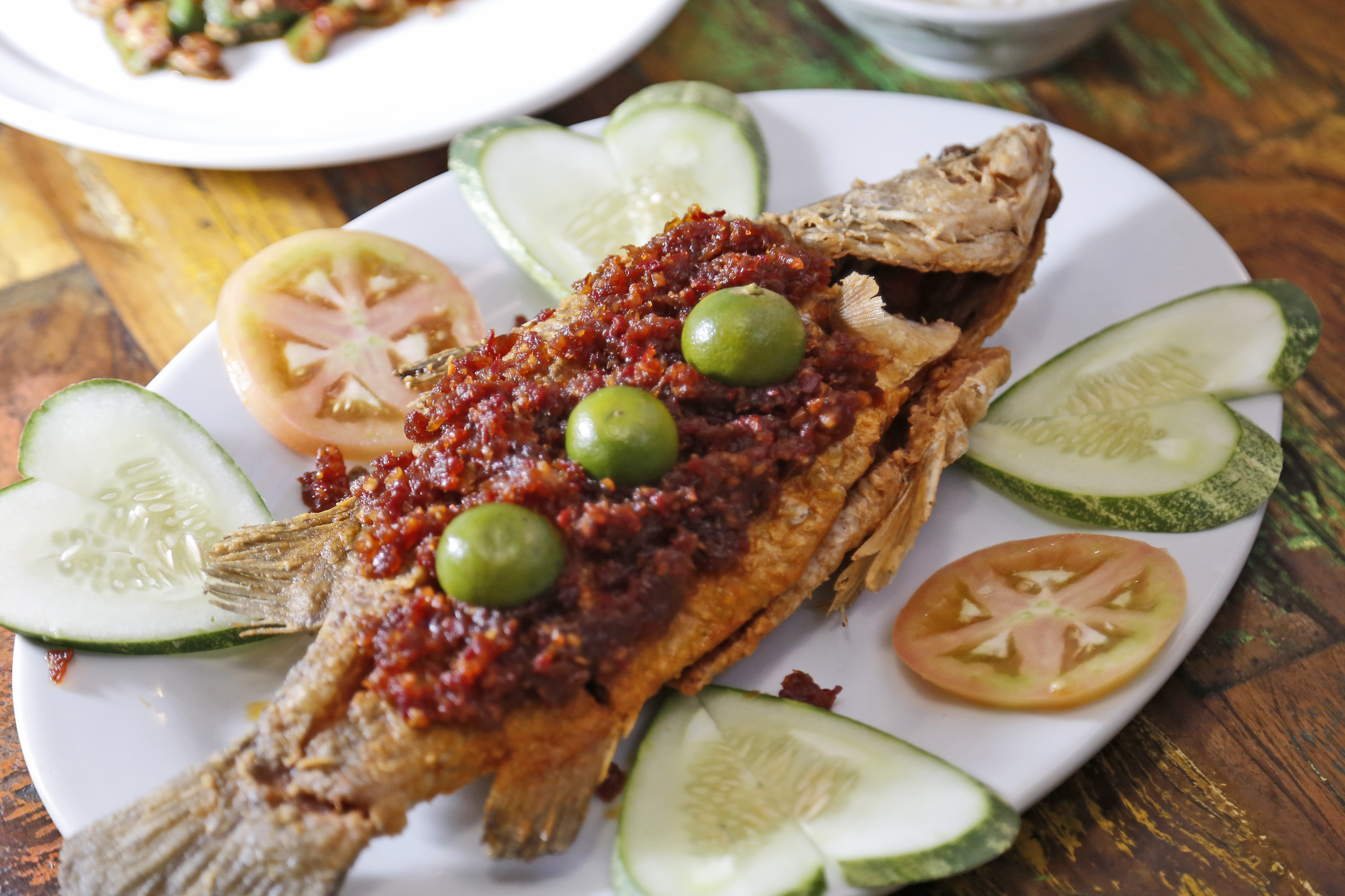 Limapulo fried fish