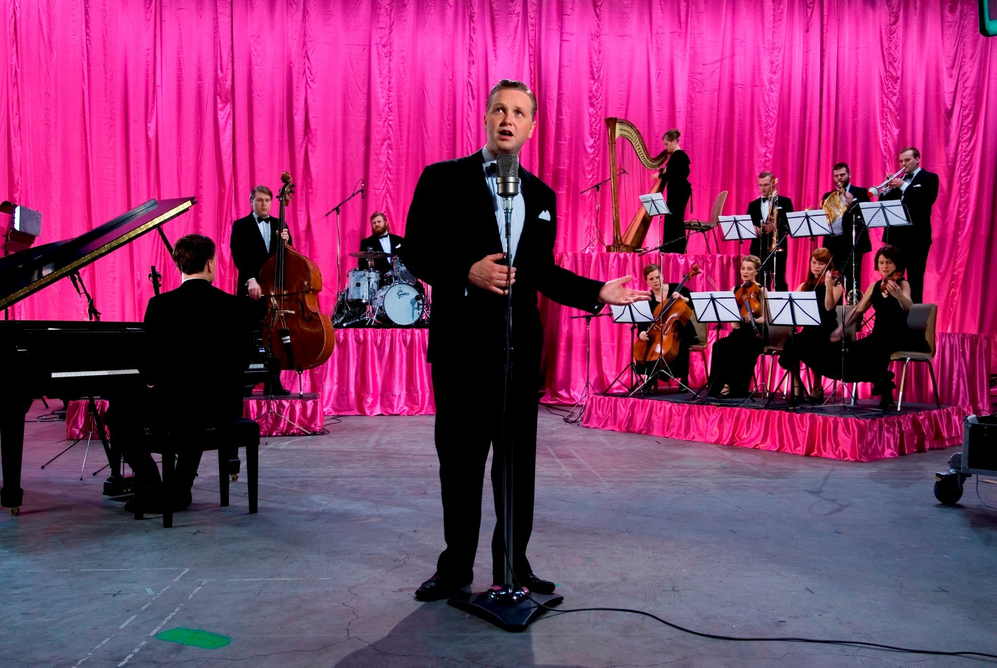(Ragnar Kjartansson, 'God', 2007. Photo: Rafael Pinho. Courtesy of the artist, Luhring Augustine, New York and i8 Gallery, Reykjavík)