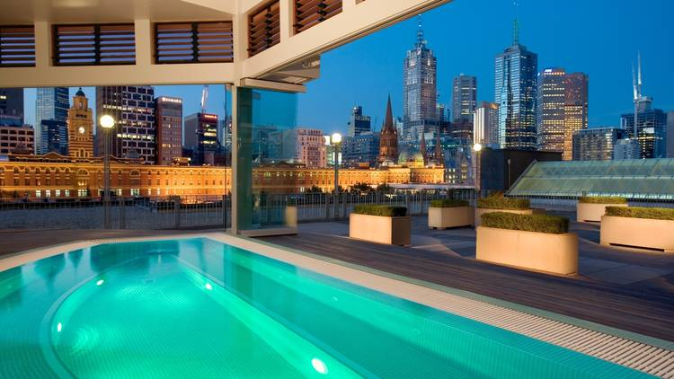 A shot of the rooftop jacuzzi at The Langham