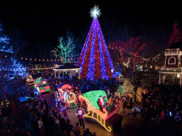 Photos of stunning Christmas lights in America