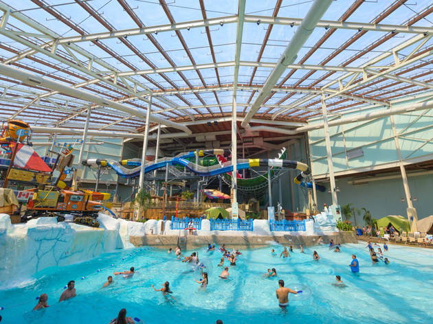 Best indoor water parks near new york city for families for Spa vacations near nyc