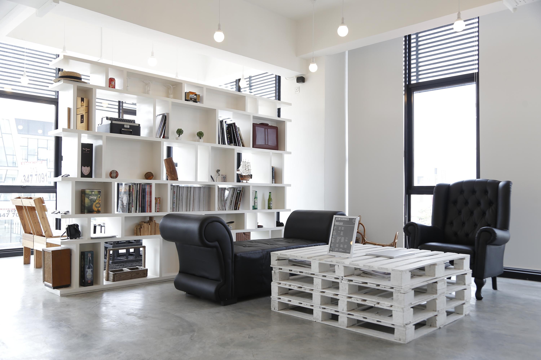 The Editor Salon