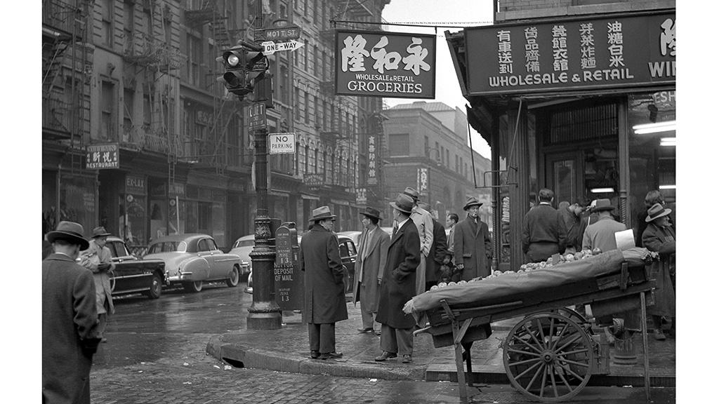 Mott Street Corner, Chinatown  Frank Oscar Larson