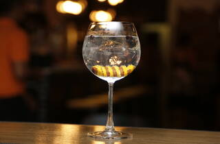 Mercat gin and tonic