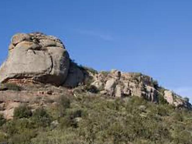 Subida al Castillo de Pera. San Silvestre Llorençana