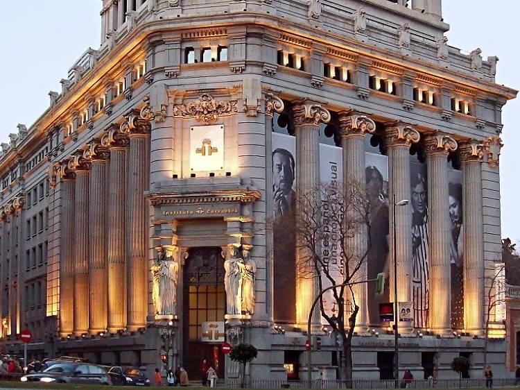 Aprende más sobre la lengua española en el Instituto Cervantes