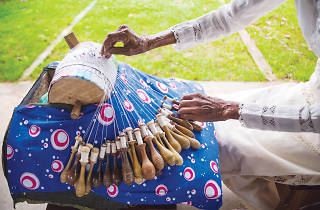 Try the intricate art of beeralu lace making during a visit to the Galle fort