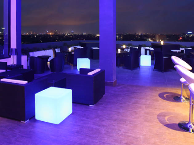 Relax Nights at City Lights Rooftop Bar, Best Western Elyon Colombo
