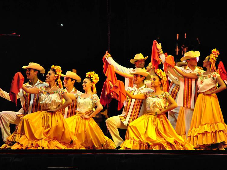 Ballet de los cinco continentes