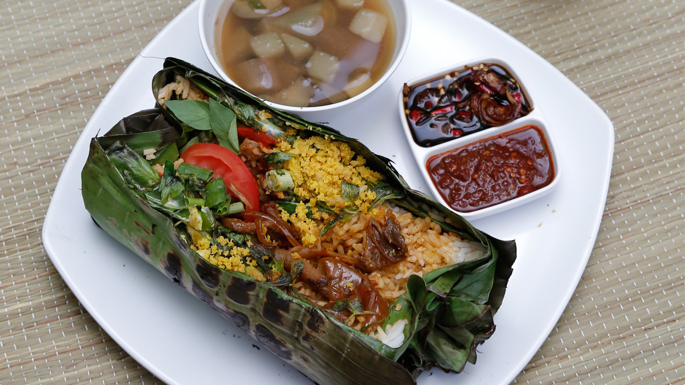 The dish: Nasi Bakar with ayam bakar at Restoran Sunan Drajat
