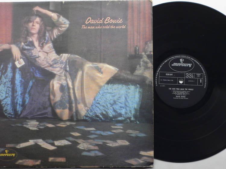 Hippie Bowie 1969-1972: El hombre que usó un vestido