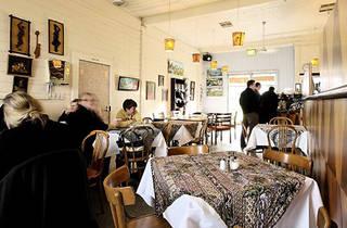 Happy River Café