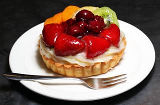Acland Cake Shop, tart, strawberries, fruit, cherries