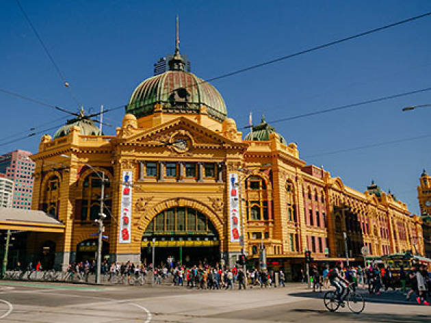 flinders street station things to do in melbourne melbourne. Black Bedroom Furniture Sets. Home Design Ideas