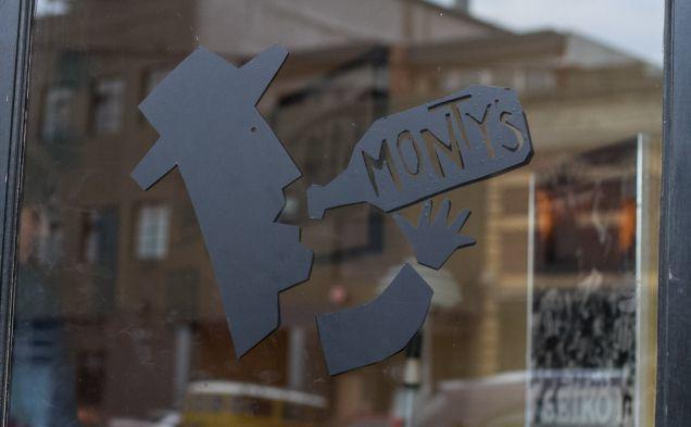 Montys sign.jpg