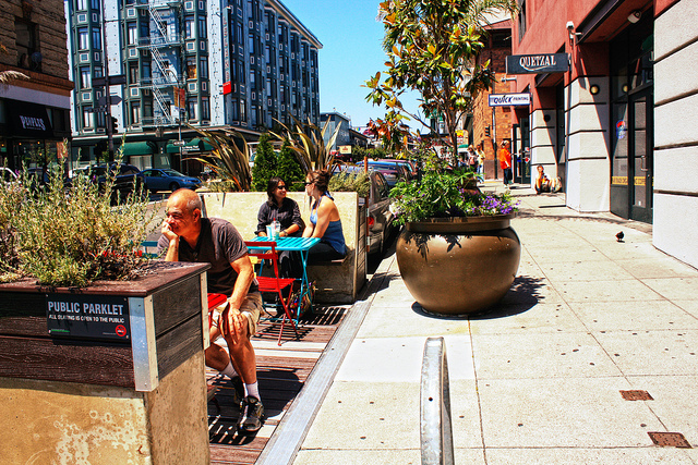 Chicago could be flooded with street cafes this spring