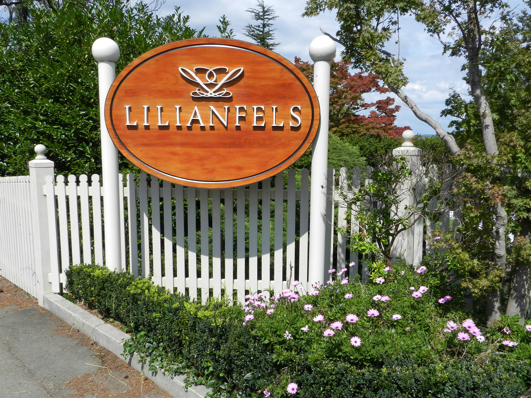The welcome sign at Lilianfels Resort