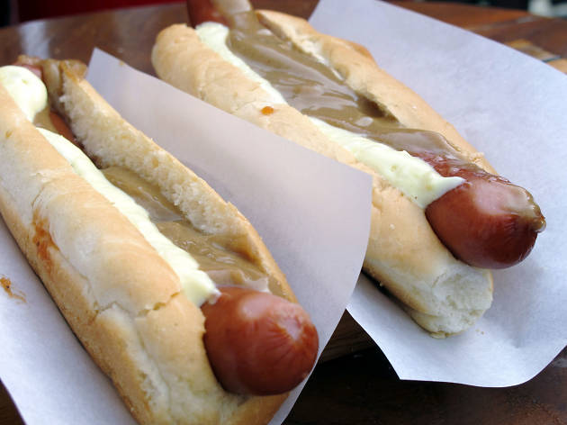 Ten reasons to go to a music festival in Reykjavik: hot dog