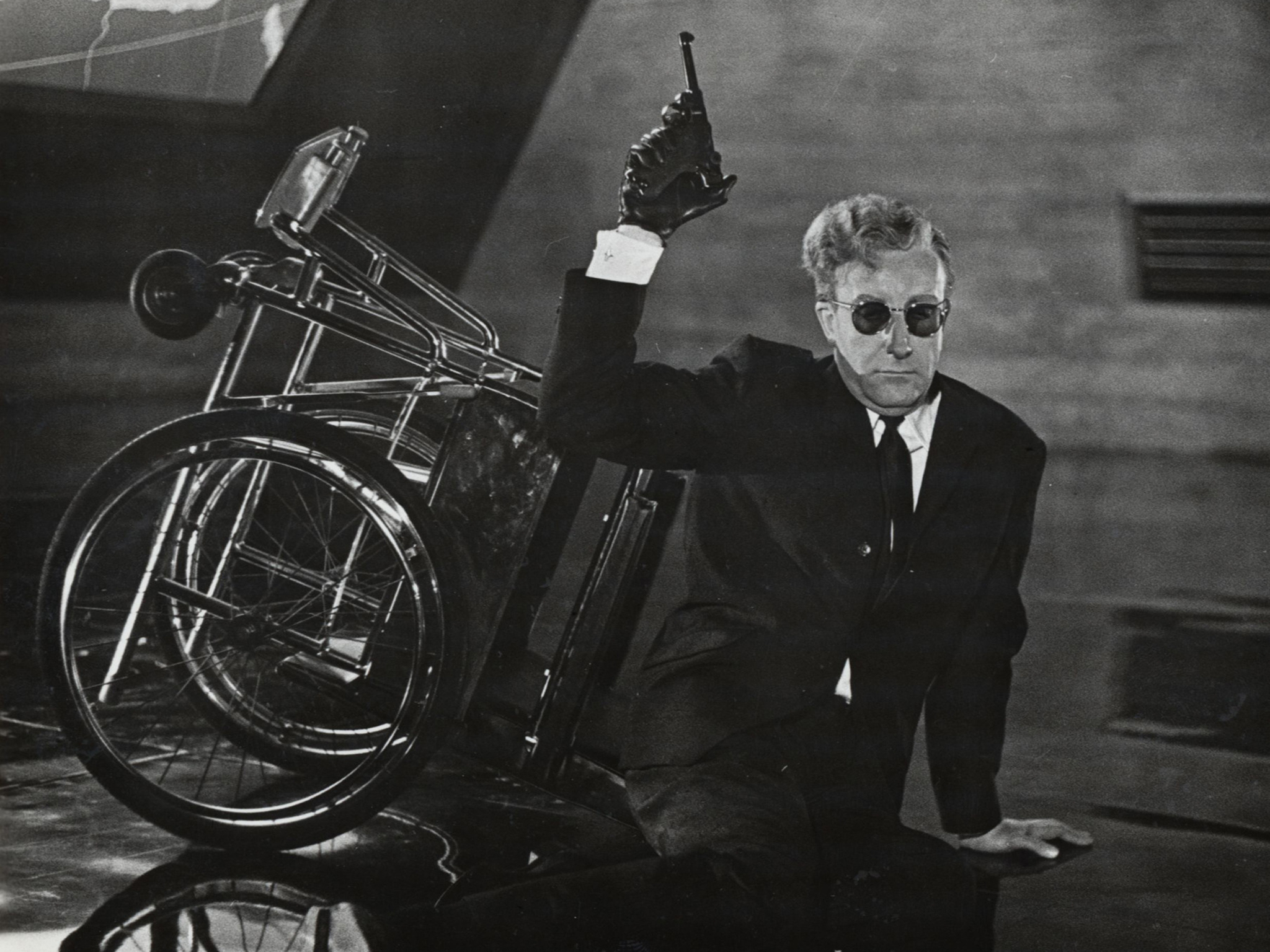 Dr Strangelove: Or, How I Learned To Stop Worrying And Love The Bomb (1964)
