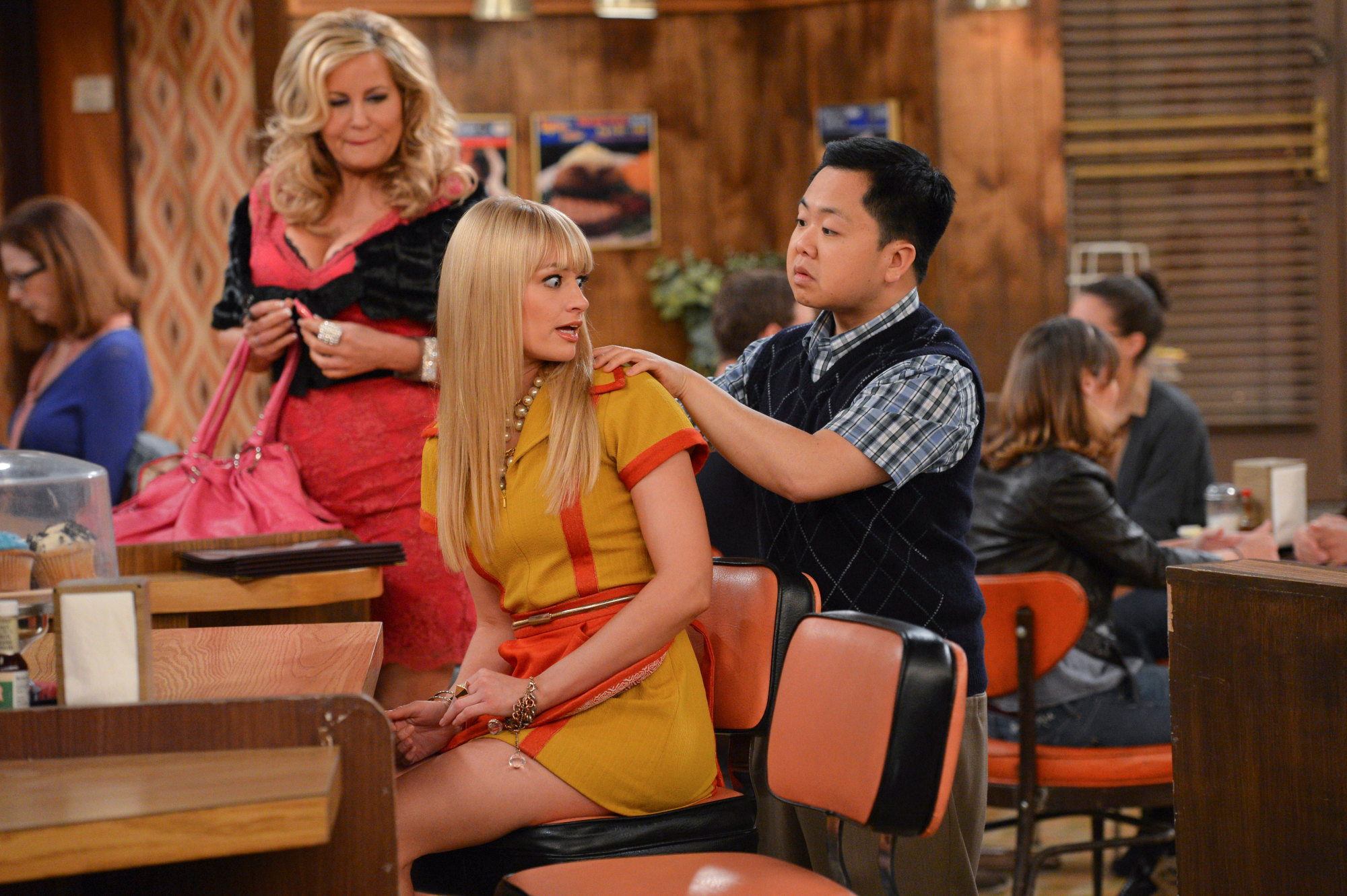 Han Lee in '2 Broke Girls'