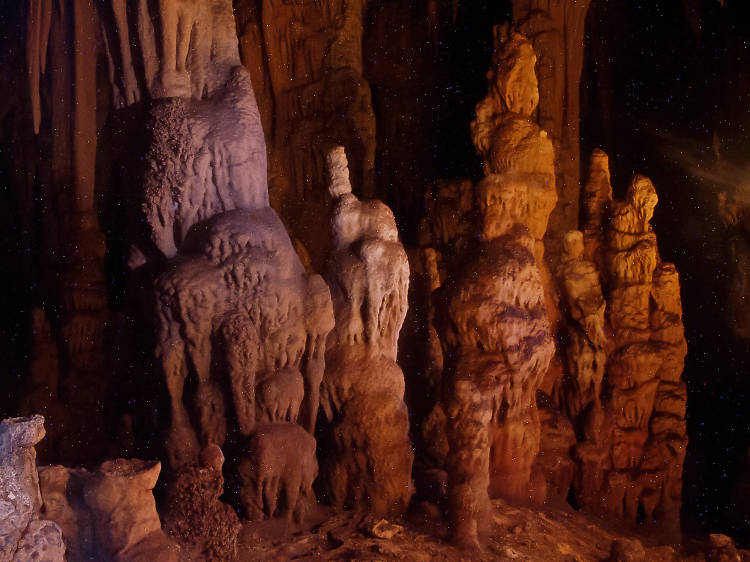 Explore the Modrić Caves