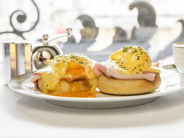 egg dishes in London, the Wolseley eggs benedict
