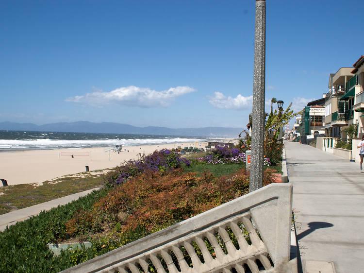 Bike the Strand to Manhattan Beach
