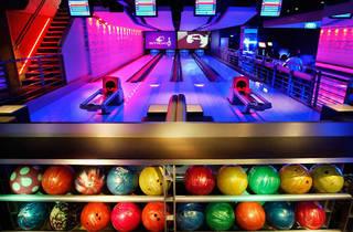 Strike Bowling Bar: Entertainment Quarter