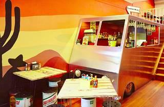 Cantina Movil Bar & Garage